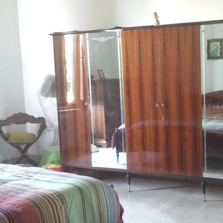 Rent this 3 bed room on Via dello Specchio in 13, 50145 Firenze FI