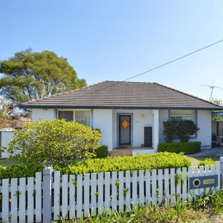 Rent this 4 bed house on 7 Osborne Avenue