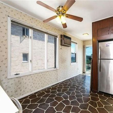 Rent this 5 bed house on 3274 Griswold Avenue in New York, NY 10465