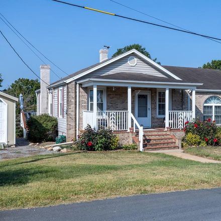 Rent this 3 bed house on 703 10th Street in Shenandoah, Page County