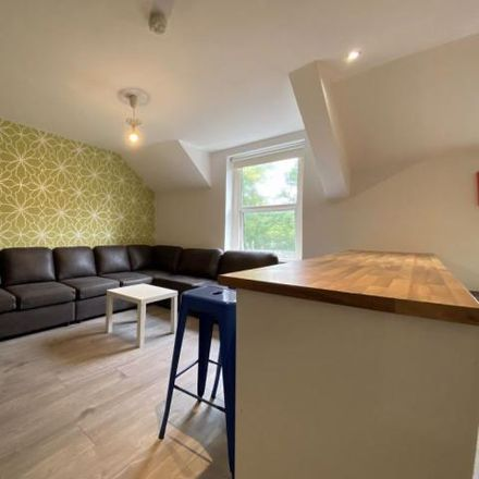Rent this 5 bed apartment on Llanbleddian Gardens in Cardiff, United Kingdom