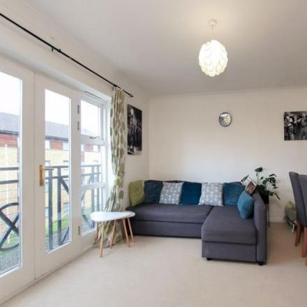 Rent this 2 bed apartment on Frances House in London Road, Corner Hall