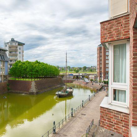 Rent this 3 bed apartment on Akademiestraße 1 in 40213 Dusseldorf, Germany