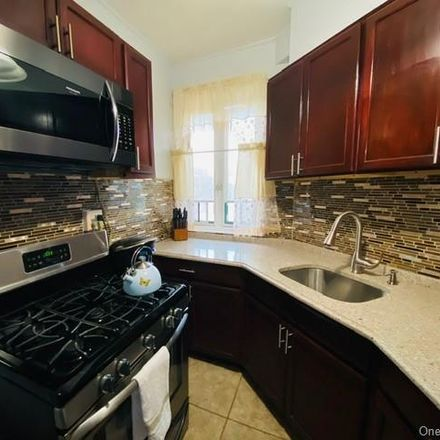 Rent this 2 bed condo on 1725 Purdy Street in New York, NY 10462