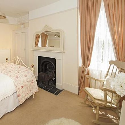 Rent this 6 bed house on 35 Coley Hill in Reading RG1 6AE, United Kingdom