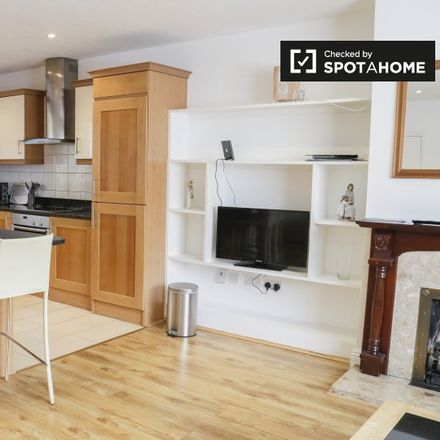 Rent this 2 bed apartment on Wellington Lane in Pembroke West C ED, Dublin
