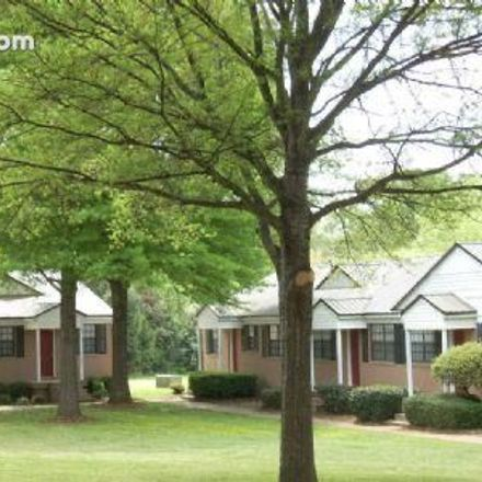 Rent this 2 bed apartment on 2190 10th Avenue in Tuscaloosa, AL 35401