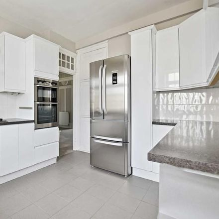 Rent this 5 bed apartment on Block 7 in Clifton Court, London NW8 8HT