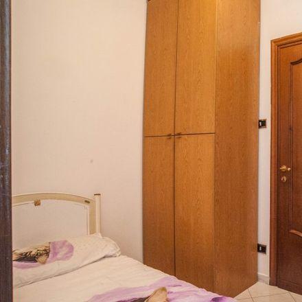 Rent this 4 bed apartment on Carnezzeria in Via Ponzio Cominio, 43