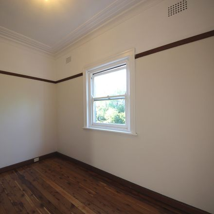 Rent this 2 bed apartment on 4/1 Park Road