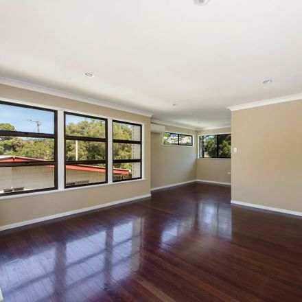 Rent this 3 bed house on 99 Darling Street W