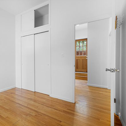 Rent this 3 bed apartment on 1402 Lexington Avenue in New York, NY 10128