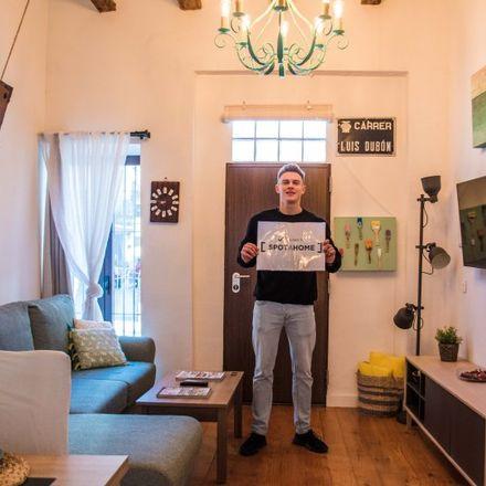 Rent this 0 bed apartment on La cuina de la iaia in Carrer del Rosari, 89