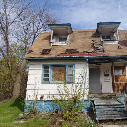 Rent this 3 bed townhouse on W Newell St in Syracuse, NY