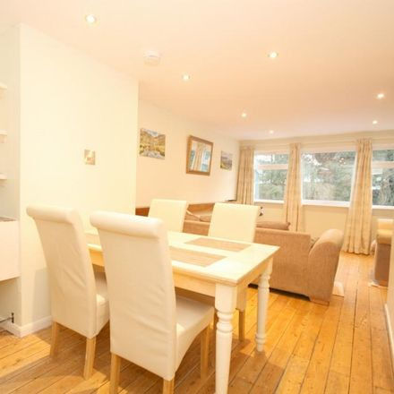 Rent this 1 bed room on The Cooperative Food in Farm Close Road, South Oxfordshire OX33 1UQ