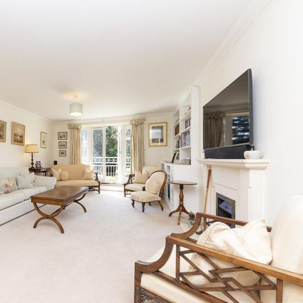 Rent this 1 bed apartment on Claremont Lodge in 15 The Downs, London SW20 8UA