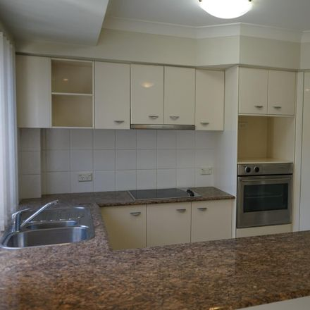 Rent this 3 bed townhouse on Unit 28/480 Christine