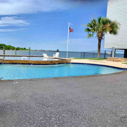 Rent this 1 bed condo on Island Way in Port Arthur, TX