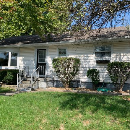 Rent this 3 bed house on 402 5th Street in Mackinaw, IL 61755