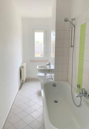 Rent this 2 bed apartment on Mannichswalder Straße 65e in 08451 Crimmitschau, Germany