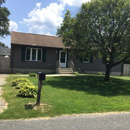 Rent this 3 bed house on 1213 Cable Avenue in Beachwood, NJ 08722