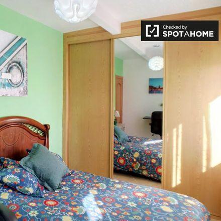 Rent this 4 bed apartment on Calle Torrelaguna in 28807 Alcalá de Henares, Spain