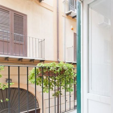 Rent this 3 bed apartment on Via Savona in 10, 90133 Palermo PA