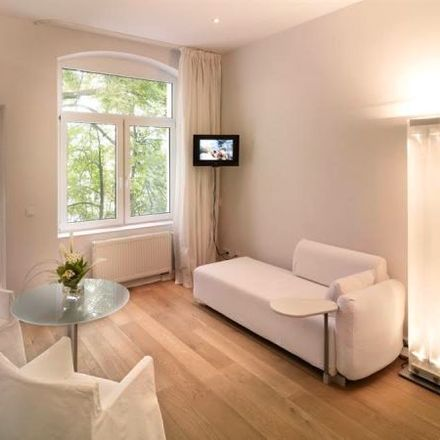 Rent this 2 bed apartment on The New Yorker Hotel in Deutz-Mülheimer Straße 204, 51063 Cologne