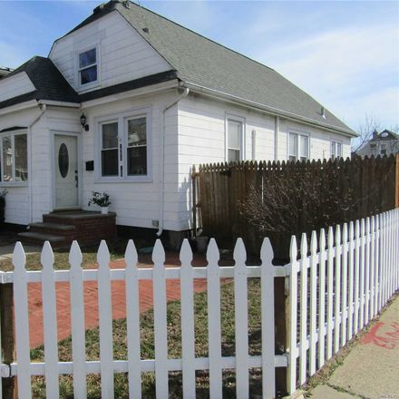 Rent this 3 bed house on 244-10 89th Avenue in New York, NY 11426