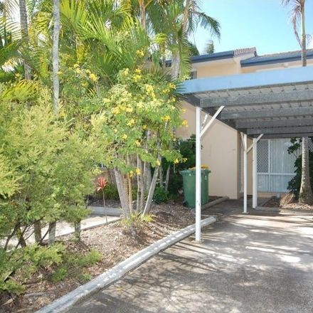 Rent this 2 bed townhouse on 43/50 Saint Kevin's Avenue