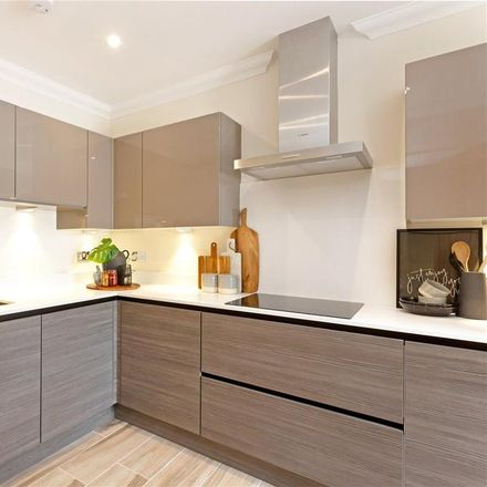 Rent this 4 bed house on Wargrave Hill in Wargrave RG10 8JG, United Kingdom