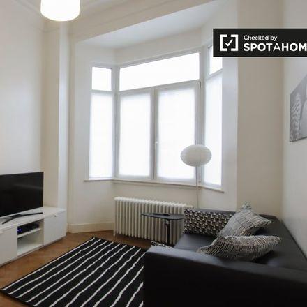 Rent this 1 bed apartment on Rue Charles Quint - Keizer Karelstraat 97 in 1030 Schaerbeek - Schaarbeek, Belgium