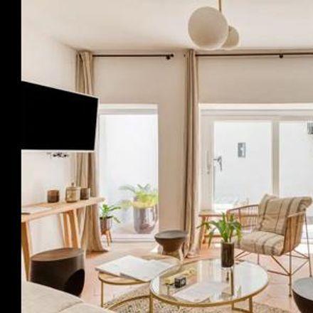 Rent this 3 bed apartment on Marseille in 1st Arrondissement, PROVENCE-ALPES-CÔTE D'AZUR