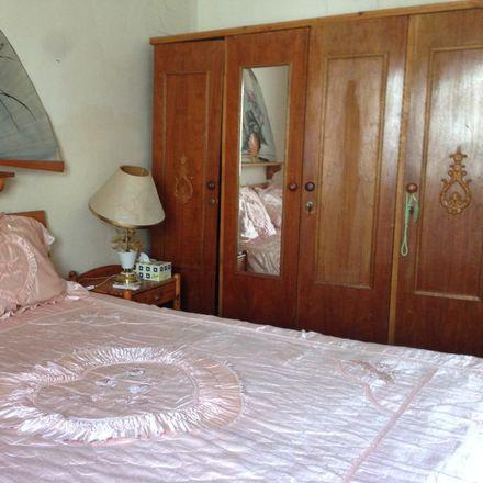 Rent this 1 bed room on Al Muraqqabat Rd - Dubai - United Arab Emirates