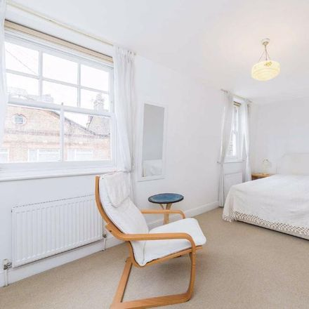 Rent this 1 bed house on 52 Clapham High Street in London SW4 7UR, United Kingdom