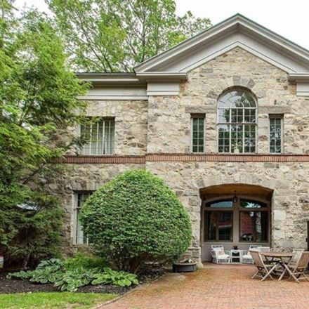 Rent this 3 bed condo on 14 Talford Place in City of Saratoga Springs, NY 12866