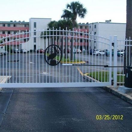 Rent this 2 bed condo on United States Post Office in Washington Avenue, Titusville
