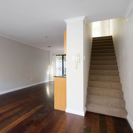 Rent this 1 bed apartment on 7/68-78 Ross Street