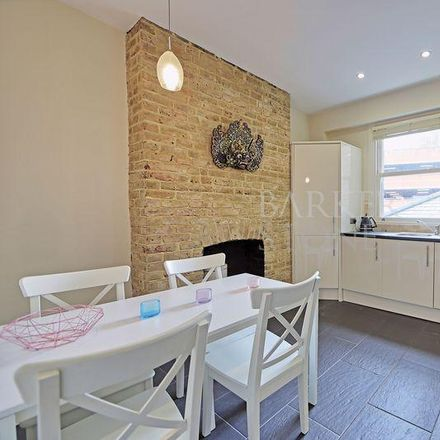 Rent this 2 bed apartment on Roger Platt in Queen Street, Maidenhead SL6 1NF