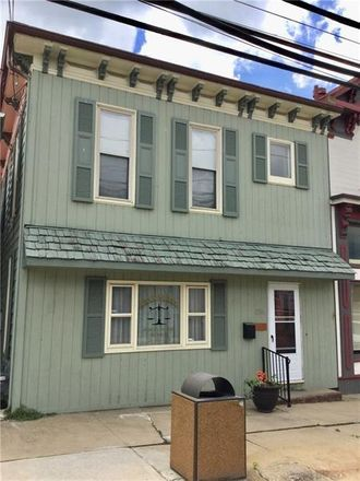 Rent this 3 bed house on 150 Main Street in Claysville, PA 15323