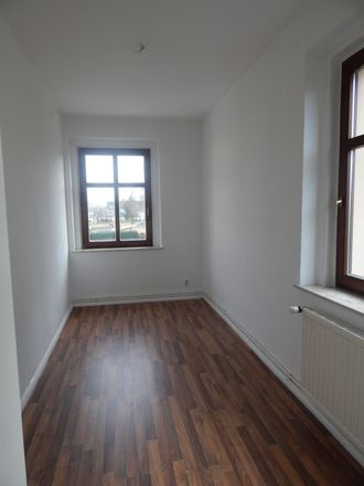 Rent this 4 bed apartment on Fritz-Reuter-Straße 2 in 08371 Glauchau, Germany