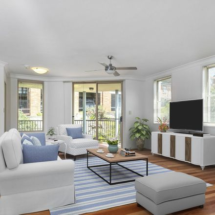 Rent this 3 bed apartment on 3/17 Pittwater Road