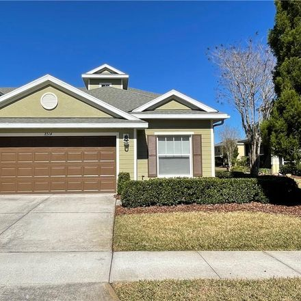 Rent this 3 bed townhouse on Tampa