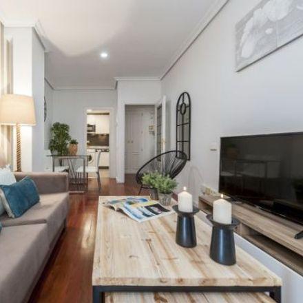 Rent this 3 bed apartment on Bodega de los Reyes in Calle de los Reyes, 6