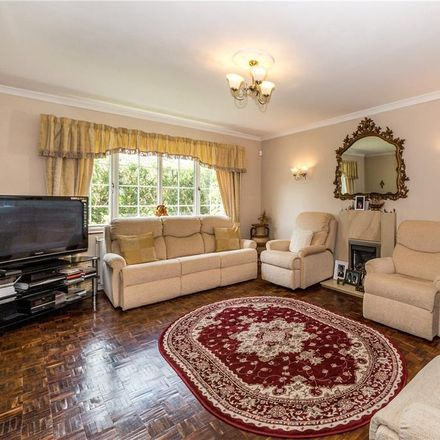 Rent this 4 bed house on Tuffnells Way in St Albans AL5 3HG, United Kingdom