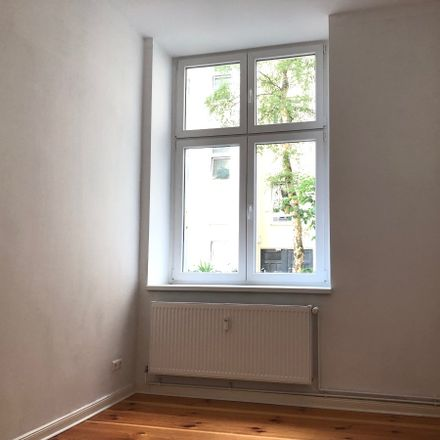 Rent this 3 bed apartment on Berlichingenstraße 18 in 10553 Berlin, Germany