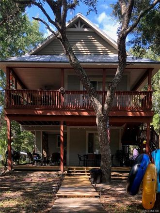 Rent this 2 bed house on 6779 South Pinebranch Point in Homosassa, FL 34448