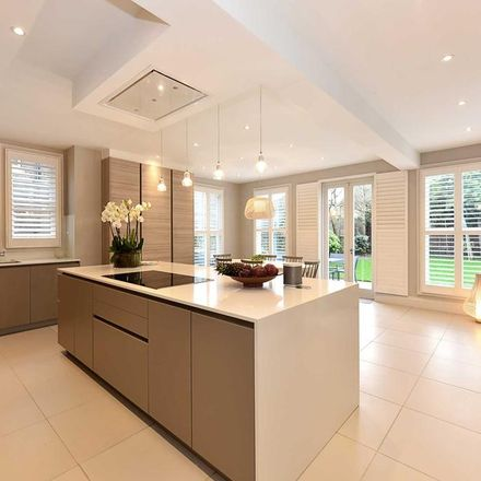 Rent this 6 bed house on Woodville Road in London W5 2SF, United Kingdom