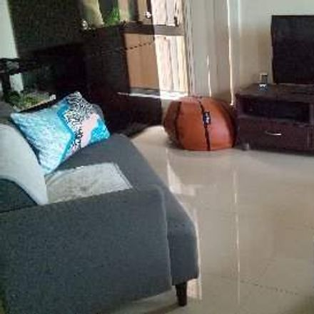 Rent this 2 bed apartment on 20A Oleander Avenue