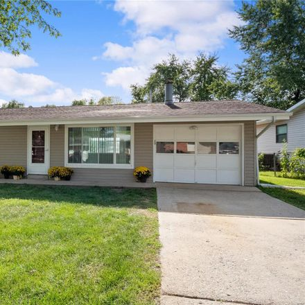 Rent this 3 bed house on 1749 Beverly Drive in Gardnerville, MO 63303